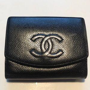 CHANEL Caviar Skin Leather CC Logo Bifold Wallet